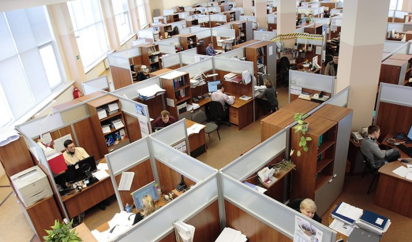 Electricity usage by an office with cubicles